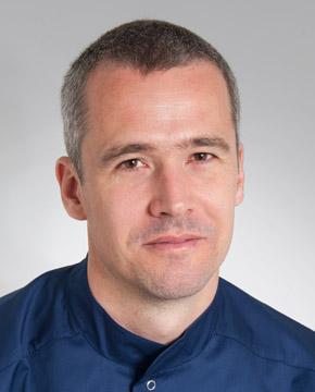 Dr. Petróczy András